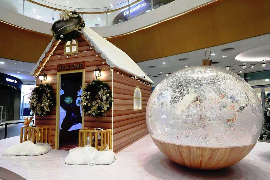 dekorasi di mall tema natal salju