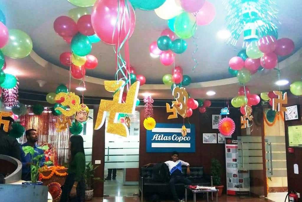 balon dekorasi lobby kantor