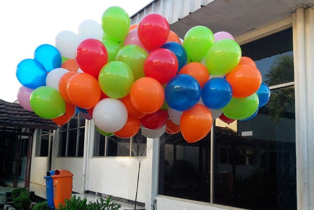 balon gas hidrogen balon terbang