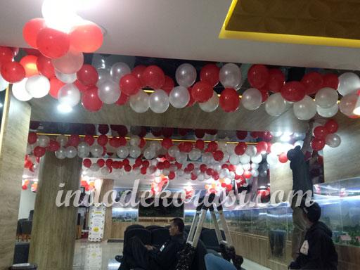 dekorasi balon merah putih